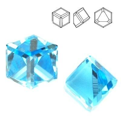 4841 Cube 4mm  Aquamarine CAVZ