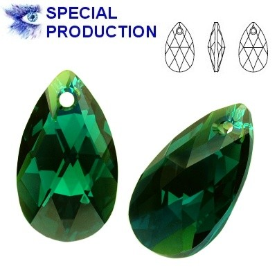 6106 Pear-shaped 22mm Emerald AB